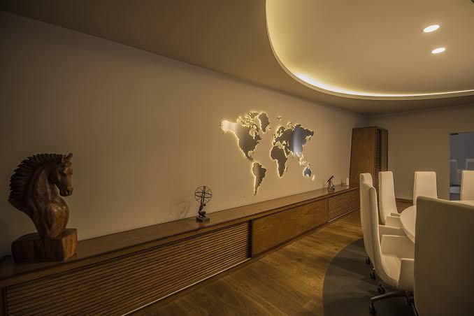 Pleksi Kesim Dünya Haritası