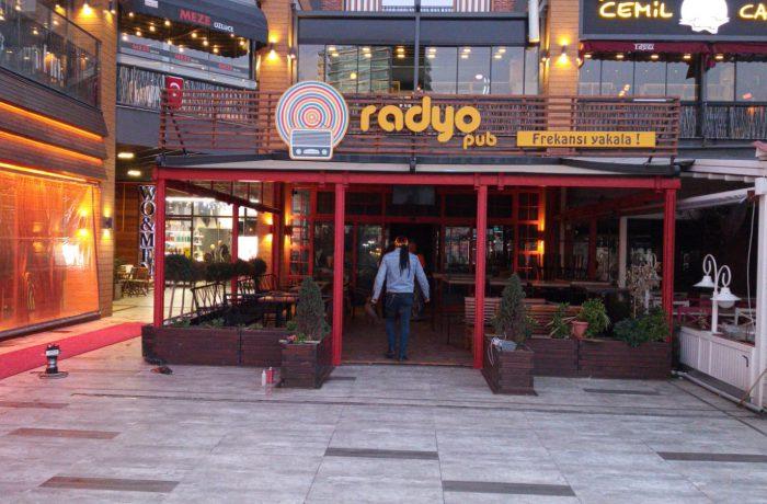 Radio Pub Işıklı Kutu harf Tabela